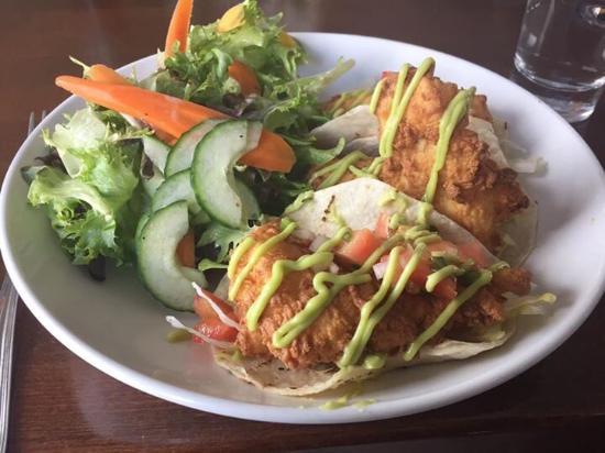 Essex, แมสซาชูเซตส์: Haddock fish tacos. Excellent!!