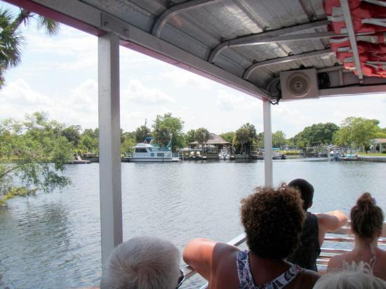 Peace River Boat Tours: coming back in to the dock
