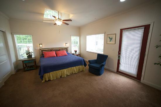 แซงเกอร์, แคลิฟอร์เนีย: Chairman's Suite Bedroom
