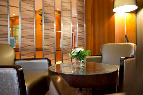 Shepperton, UK: Lobby Lounge