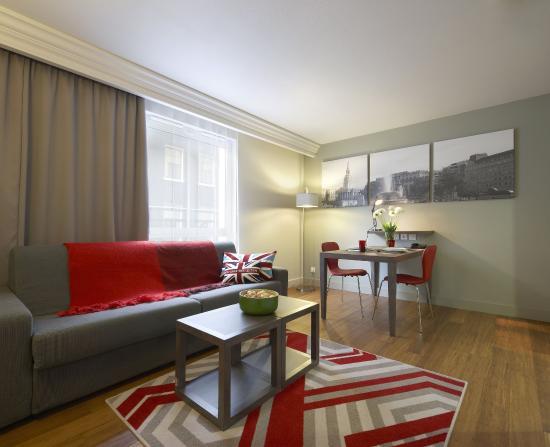 Citadines Trafalgar Square London: Living room of 1-bedroom apartment, Citadines  Trafalgar Square London