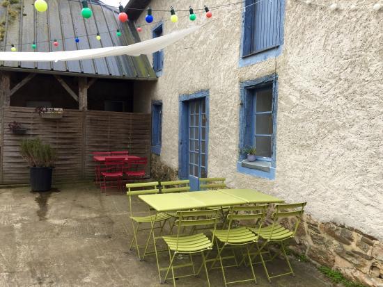 Irodouer, France : Terrasse
