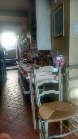 Seguret, Francia: La Maison d'Eglantine Salon de The