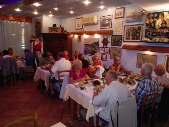 Betina, Kroatië: Marinero