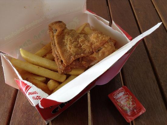 Kentucky Eataways: Chicken and chips.