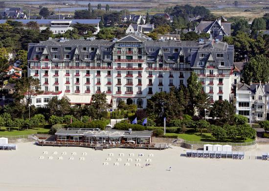 Hotel barriere l 39 hermitage la baule updated 2018 prices for Hotels la baule