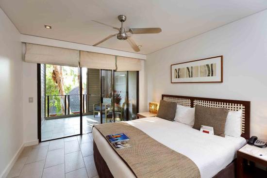 Pullman Palm Cove Sea Temple Resort & Spa: Guest Room
