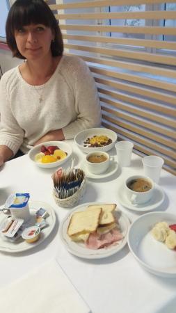 CIT Hotel Britannia : Завтрак в ресторане.