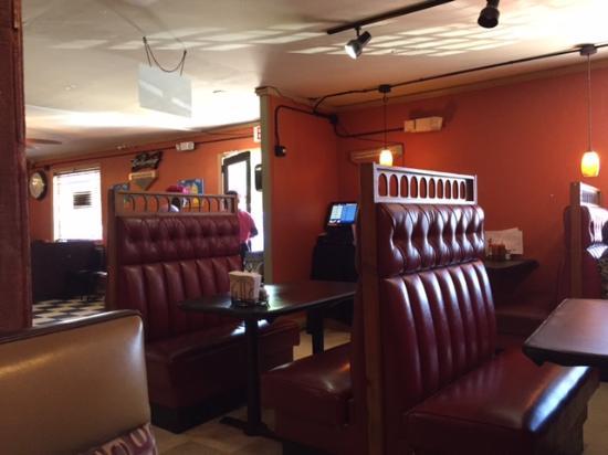 Hannibalu0027s Kitchen: Quaint Interior