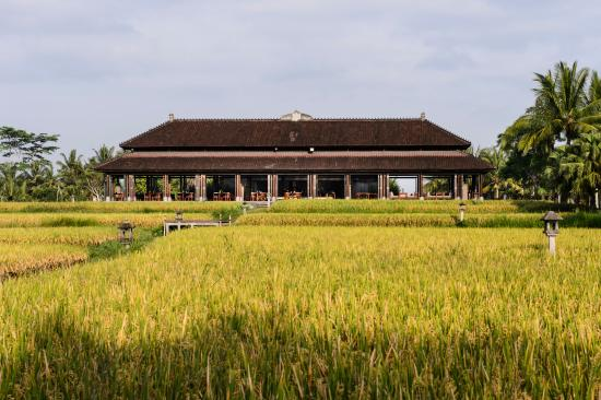 ‪‪The Chedi Club Tanah Gajah, Ubud, Bali – a GHM hotel‬: The Restaurant Exterior‬