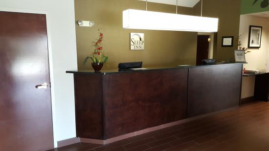 Sleep Inn: Front Desk