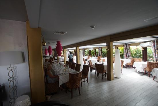 Sandals Grenada Resort and Spa: La Jardinier french restaurant