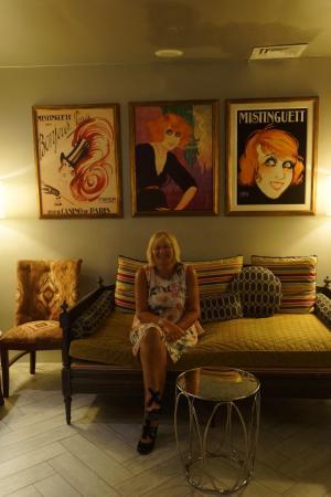 Sandals Grenada Resort and Spa: Jen waiting in La Jardinier french restaurant