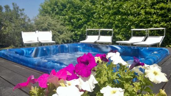 Runco, Italia: idromassaggio riscaldato
