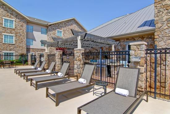 Homewood Suites by Hilton Oklahoma City-West: Pool Area