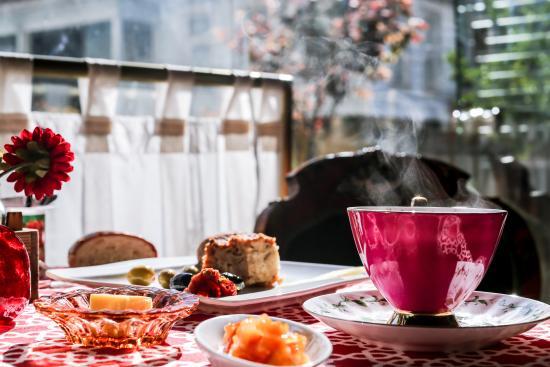 Cihangir Faik Pasha Cafe