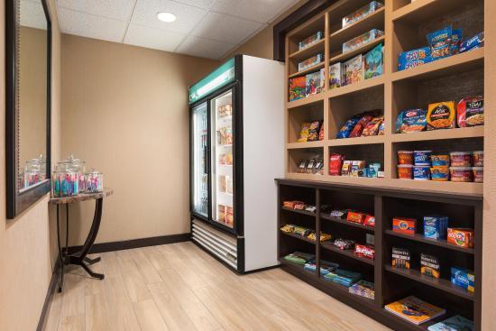 Homewood Suites Denver Tech Center: Suite Shop