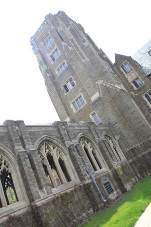 Cornell University : МакФадден Холл Корнельского университета