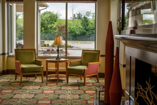 Hilton Garden Inn Cleveland East / Mayfield Village: Lobby Seating
