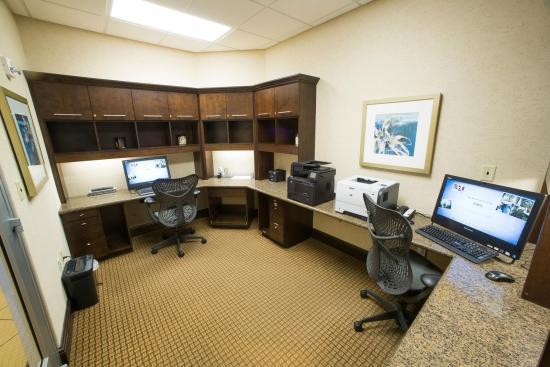 هيلتون جاردن إن دولز نورث: Business Center