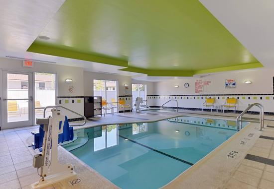 Kingsland, GA: Indoor Pool & Spa