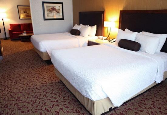 Logan, Utah: Queen/Queen Suite Sleeping Area