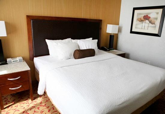 Logan, Utah: King Suite Sleeping Area