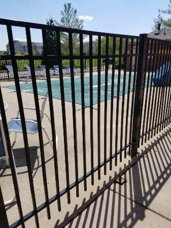 Extended Stay America - Toledo - Maumee: Pool isn't open until Memorial day weekend/possibly sooner. Sofa couch, standard queen bed, Very