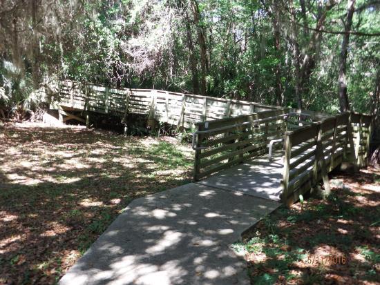 Darien, GA: entrance of handicap ramp