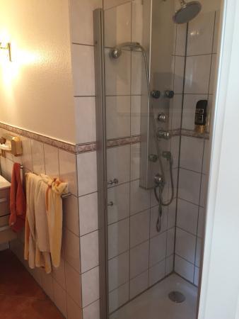 das romantische landhaus kropp tyskland kro anmeldelser sammenligning af priser. Black Bedroom Furniture Sets. Home Design Ideas