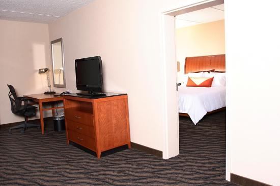 Suffolk, VA: King Deluxe Suite