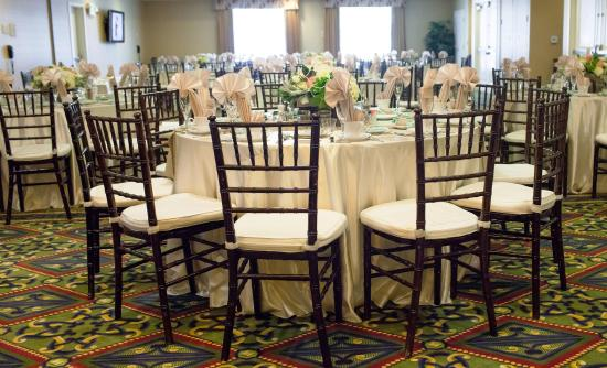 Fontana, Kalifornia: Wedding Celebration