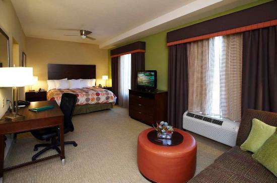 Hoover, ألاباما: Studio Suite