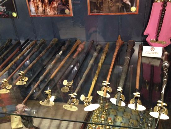 Magic wand picture of harry potter shop at platform 9 3 for Harry potter wand owners