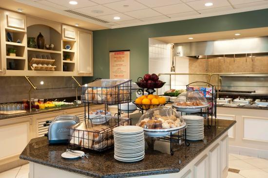 Ridgefield Park, NJ: Breakfast Buffet