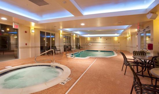 Ridgefield Park, Νιού Τζέρσεϊ: Indoor Pool and Whirlpool