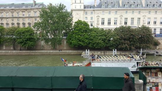 Paris, Frankrike: Artistas en la orilla del Sena