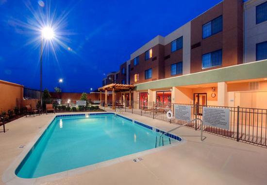 Johnson City, TN: Outdoor Pool