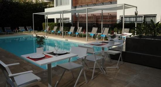 Glyfada, Grecia: Pool