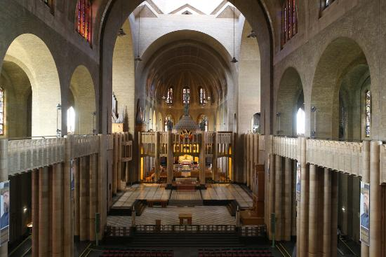 Interior of Basilica - コクル...