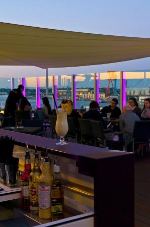 Atlantic Hotel: Hotelbar Deck 8-die Bar with Rooflounge