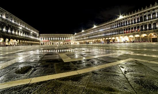 Place Saint Marc De Nuit Picture Of Venice City Of Venice