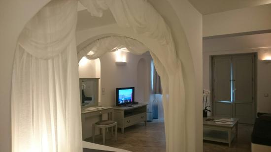 Andronis Luxury Suites: DSC_4226_large.jpg