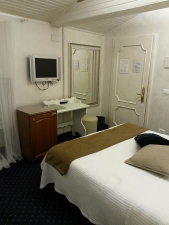Camera Matrimoniale A Udine.Camera Da Letto Picture Of Hotel Clocchiatti Next Udine