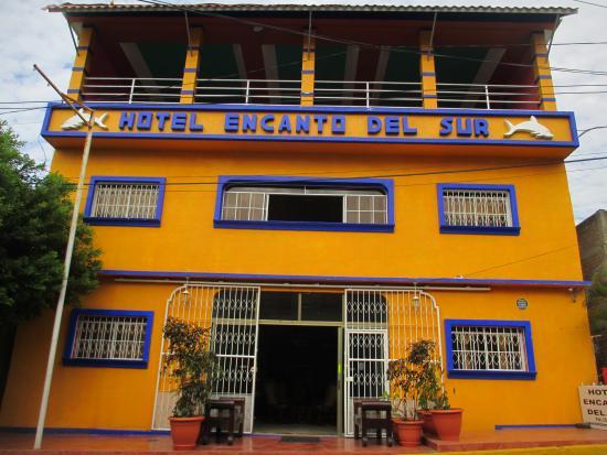 Hotel Encanto del Sur: building