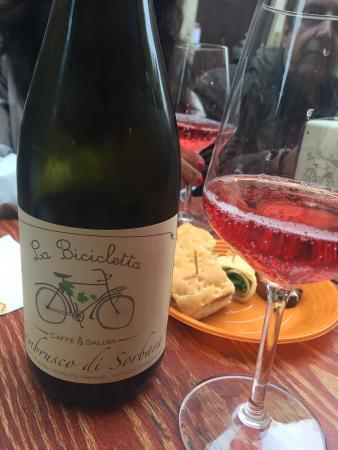 La Bicicletta Caffe & Salumi: Lambrusco