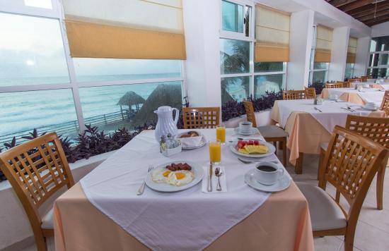 Oleo Cancun Playa: Desayuno Buffet