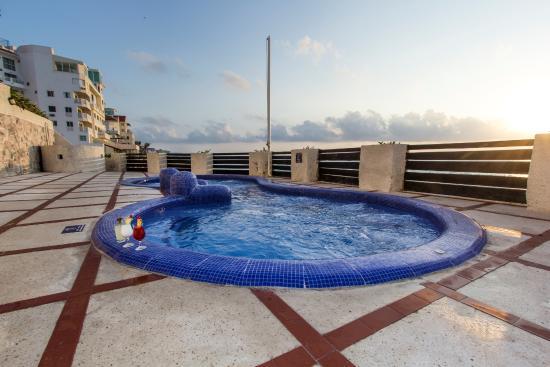 Hotel Yalmakan: Jacuzzi