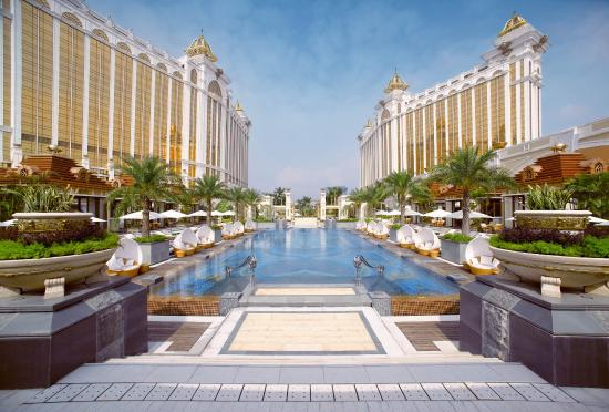 Banyan Tree Macau: Outdoor Pool