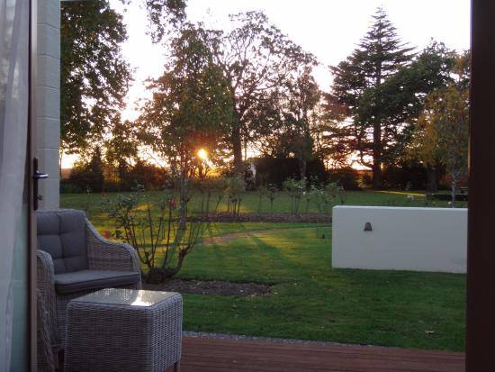 Havelock North, New Zealand: Sunrise in the country